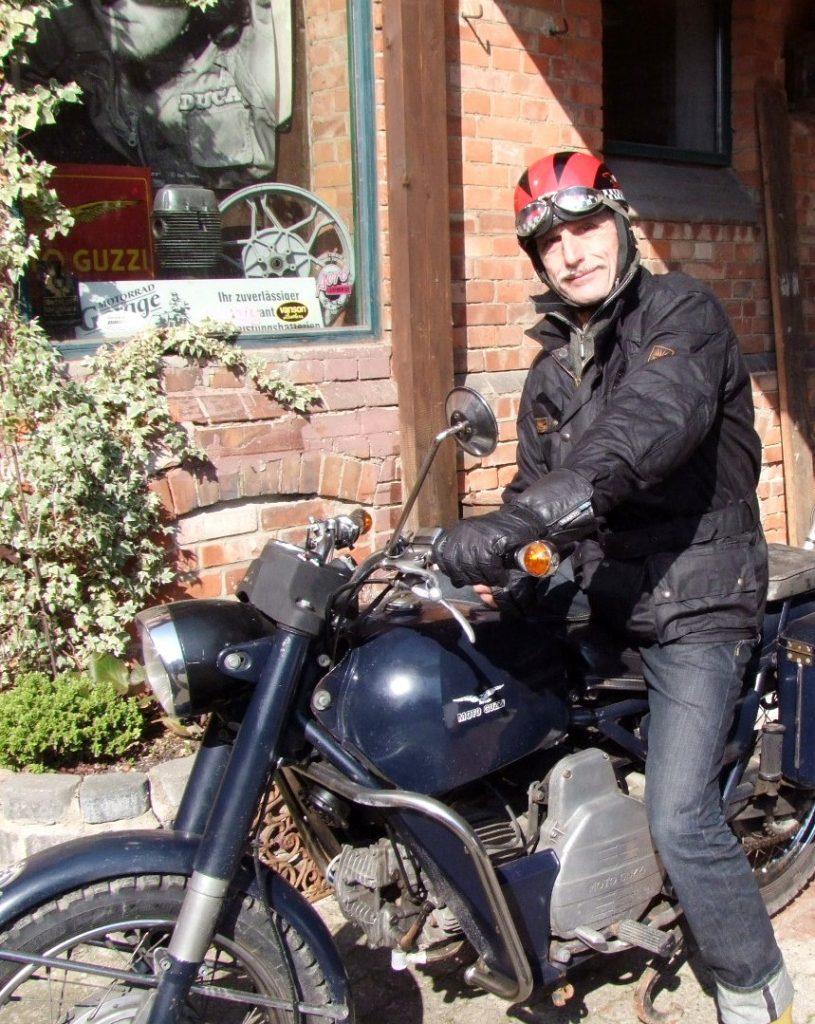 SunStuff Waxcotton Motorradjacke Six Days Pro im Einsatz